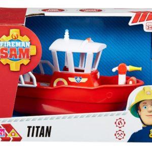 סמי הכבאי טיטאן הסירה שוחה במים